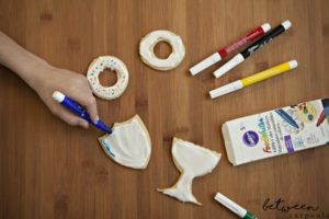 Kids Party Activity: The Cookie Coloring Station