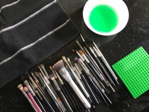 Chanie Hartstein's Ingenious Method for Cleaning Makeup Brushes