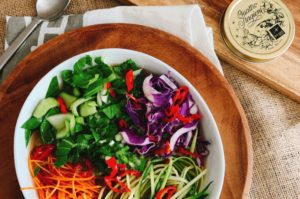 Crazy day ahead? Prepare this the night before and enjoy a one bowl lunch (or one jar), whether at home or on the run.