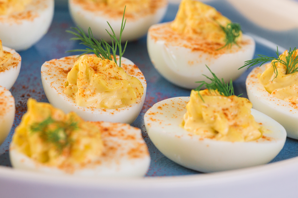 29 Easy, Filling, & Nutritious Snack Ideas to Bring on Your Chol Hamoed Outing. You'll very likely be too busy to sit down for a meal midday. Those snacks better be good! By Between Carpools. Chol Hamoed=Trips=Snacks