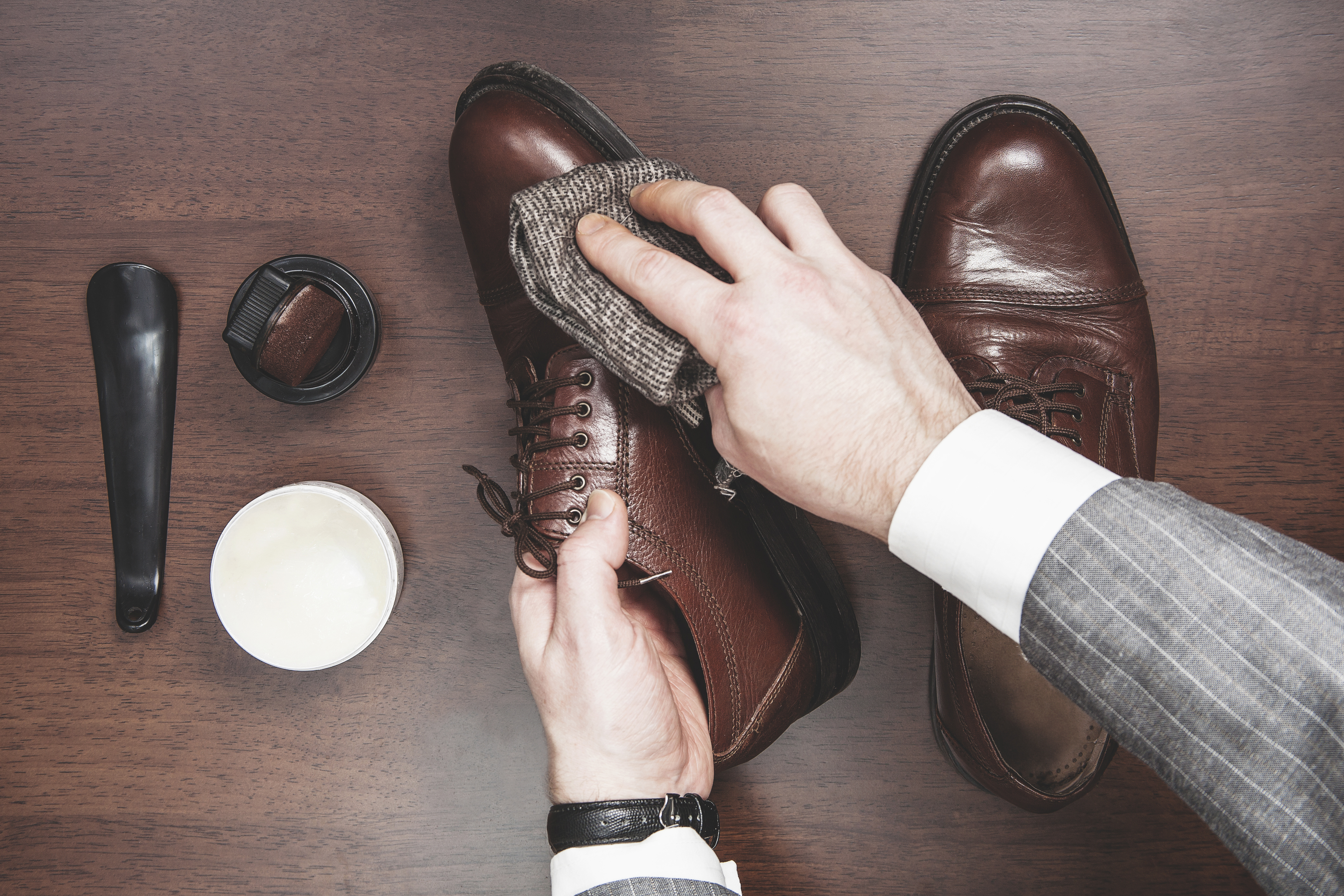 How To Polish Leather Shoes Between Carpools