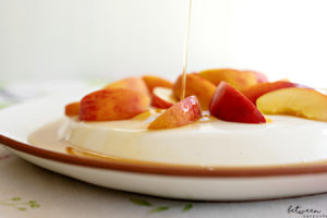 This Creamy Dreamy Maple Syrup Panna Cotta is a Chef's Secret