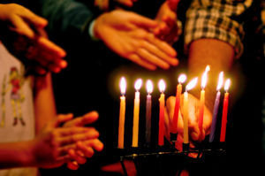 How to Give Your Child Positive Chanukah Memories Forever
