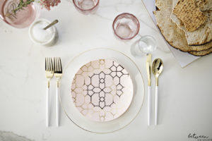 How to Make Disposable Plates Look So, So Pretty