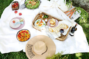 Join Between Carpools On This Summer Worthy Picnic