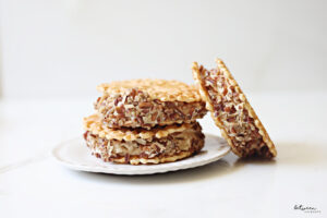 Make These Praline Ice Cream Sandwiches for a Quick and Easy Dessert