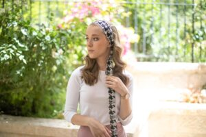 These Anti-Slip Headbands from Lizi Will Be a Wardrobe Staple (+ 30% Off Sitewide!)