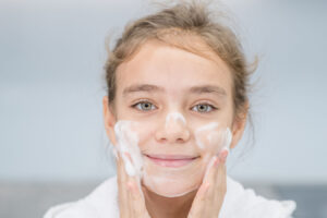A Teen's Short Guide for Clear and Healthy Skin